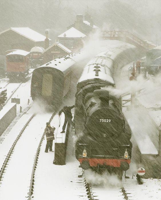 goathland-station-colour-f92193764cef93b5ed13224aa86acb61